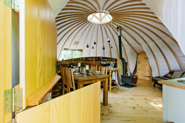 Glamping vs. Camping : An Insider's Guide | Penhein Glamping South Wales